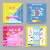Bandeira da venda do verão ajustada com elementos da praia Moldes do cartaz do disconto Projeto relativo à promoção tirado mão pa ilustração stock