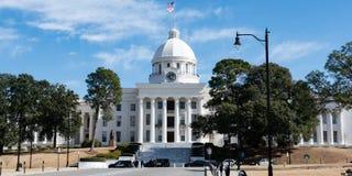 Bandeira de AL State Capital Bldg fotografia de stock