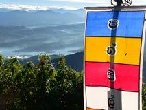 Bandeira de Buddist no nascer do sol Imagens de Stock
