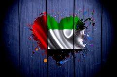 Bandeira de Emiratos Árabes Unidos na forma de um coração em um fundo escuro fotografia de stock royalty free