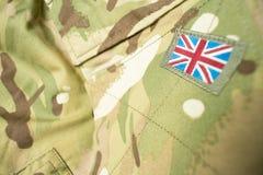 Bandeira de Ingleses Union Jack em um uniforme do exército britânico fotos de stock royalty free