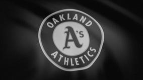 Bandeira de ondulação com o logotipo profissional monocromático, ruído da equipe dos Oakland Athletics da tevê Grampo editorial ilustração royalty free