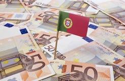 Bandeira de Portugal que cola em 50 cédulas do Euro (série) Imagens de Stock