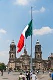 A bandeira de Zocalo, México Foto de Stock
