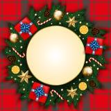 Bandeira do Feliz Natal com caixa de presente, ramos do pinho decorados, Foto de Stock