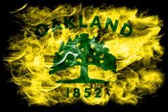 Bandeira do fumo da cidade de Oakland, estado de Califórnia, Estados Unidos de Amer Fotografia de Stock Royalty Free