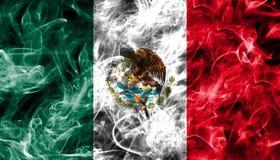 Bandeira do fumo de México isolada em um fundo preto fotos de stock