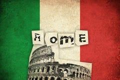 Bandeira do Grunge de Itália com Colosseum Imagens de Stock Royalty Free