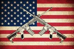 Bandeira do Grunge dos EUA com armas ilustração stock
