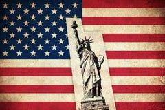 Bandeira do Grunge dos EUA com monumentos Foto de Stock