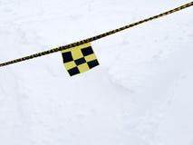 Bandeira do perigo da avalancha na corda Fotos de Stock
