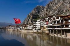 Bandeira do turco do rio de Yesilirmak da opinião de Amasya Fotos de Stock