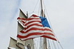 Bandeira dos E.U. em Sailer imagens de stock royalty free