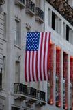 Bandeira dos EUA em Londres, Piccadilly Circus imagem de stock