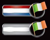 Bandeira irlandesa em bandeiras checkered listradas ilustração royalty free