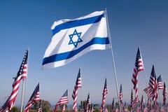 Bandeira israelita entre 3000 Fotografia de Stock Royalty Free