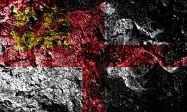 Bandeira místico fumarento de Reino Unido - de Sark no fundo sujo velho da parede ilustração do vetor