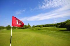 Bandeira no campo de golfe Imagem de Stock Royalty Free