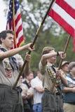 Bandeira no evento 2014 solene de Memorial Day, cemitério nacional dos E.U. da exposição de Boyscouts de Los Angeles, Califórnia, Imagem de Stock