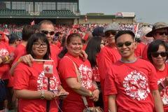 Bandeira viva durante o dia de Canadá em Winnipeg, Canadá 1º de julho de 2015 Fotografia de Stock Royalty Free