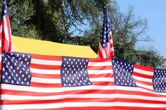Bandeiras americanas exteriores Imagens de Stock Royalty Free