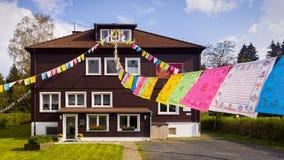 Bandeiras budistas da oração Imagem de Stock