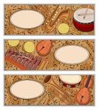 Bandeiras coloridas com notas e os instrumentos musicais ilustração royalty free