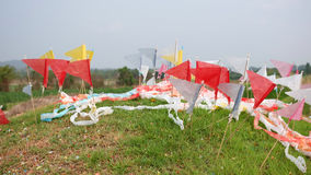 Bandeiras coloridas na sepultura chinesa Imagem de Stock Royalty Free