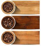Bandeiras com os feijões de café Roasted Fotografia de Stock