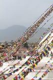 Bandeiras da oração em Boudhanath Stupa em Kathmandu, Nepal fotos de stock