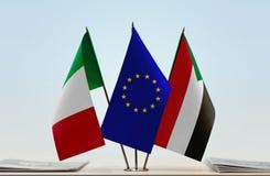 Bandeiras da UE de Itália e do Sudão imagens de stock