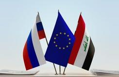 Bandeiras da UE de Rússia e do Iraque fotos de stock