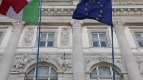 Bandeiras da UE do italiano vídeos de arquivo