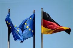 Bandeiras da UE e da Alemanha foto de stock royalty free