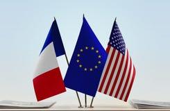 Bandeiras da UE e dos EUA de França foto de stock royalty free
