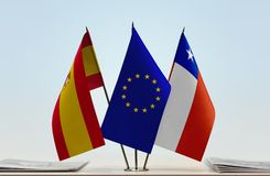 Bandeiras da UE da Espanha e do Chile fotografia de stock royalty free