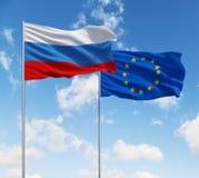 Bandeiras da União Europeia e da Rússia fotos de stock