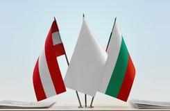 Bandeiras de Áustria e de Bulgária imagens de stock