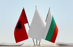Bandeiras de Albânia e de Bulgária foto de stock royalty free