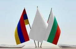 Bandeiras de Armênia e de Bulgária imagem de stock