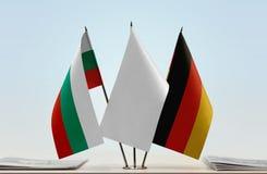 Bandeiras de Bulgária e de Alemanha imagem de stock