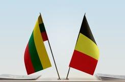 Bandeiras de Lituânia e de Bélgica imagem de stock
