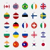 Bandeiras de país dadas forma bola do Natal ajustadas Imagem de Stock