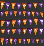 Bandeiras de suspensão de Dia das Bruxas com símbolos diferentes Foto de Stock Royalty Free
