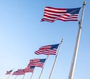Bandeiras do Estados Unidos que voam no vento 1 Imagens de Stock