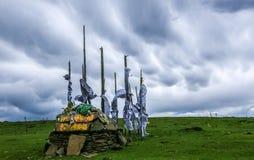 Bandeiras do rio da pedra de Mani imagens de stock royalty free