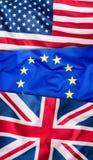 Bandeiras dos EUA Reino Unido e da UE Colagem de três bandeiras Bandeiras de UE Reino Unido e EUA junto Foto de Stock Royalty Free