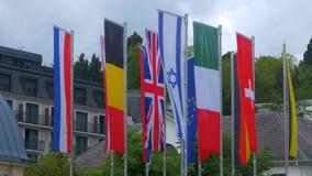 Bandeiras dos países europeus que balançam no vento filme