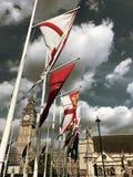Bandeiras em Westminster fotografia de stock