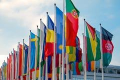 Bandeiras internacionais diferentes Fotografia de Stock Royalty Free